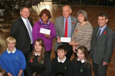 Collingwood College donates to Ocean Stars